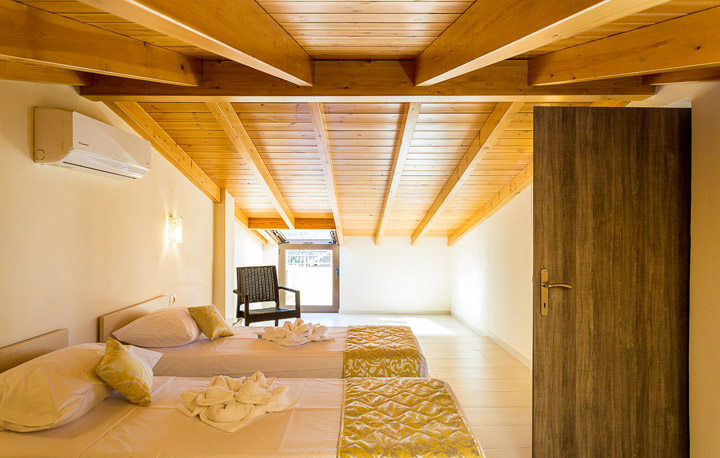 home-small-gallery4